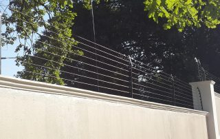 wall top electric fence east rend-4