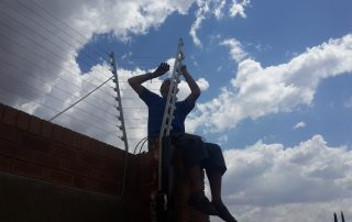electric fence repairs to ten strand