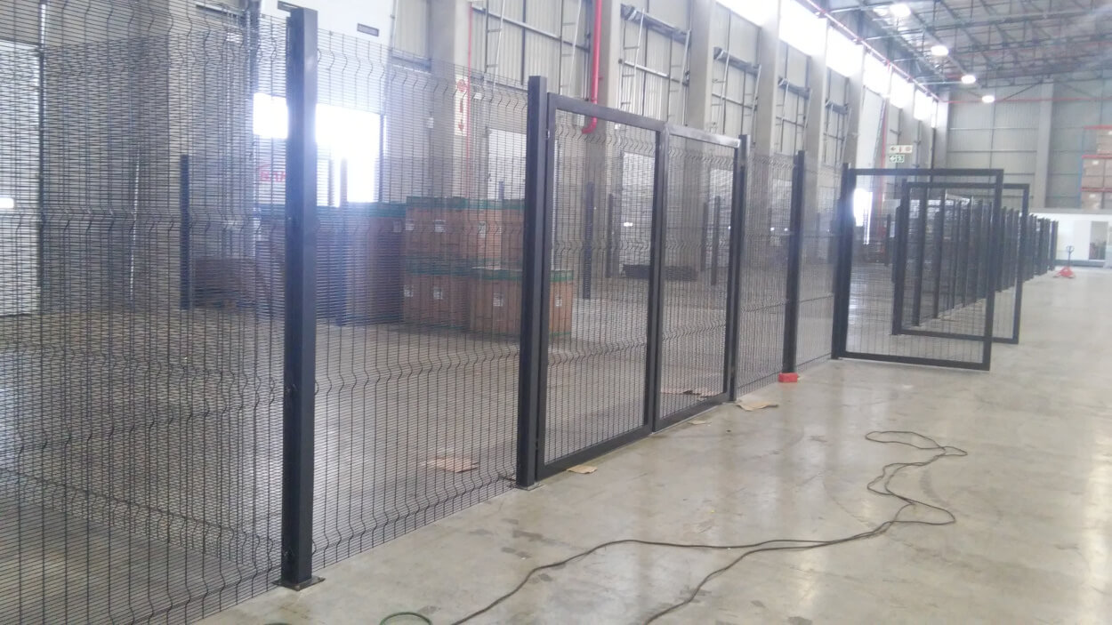 warehouse cage installation-2